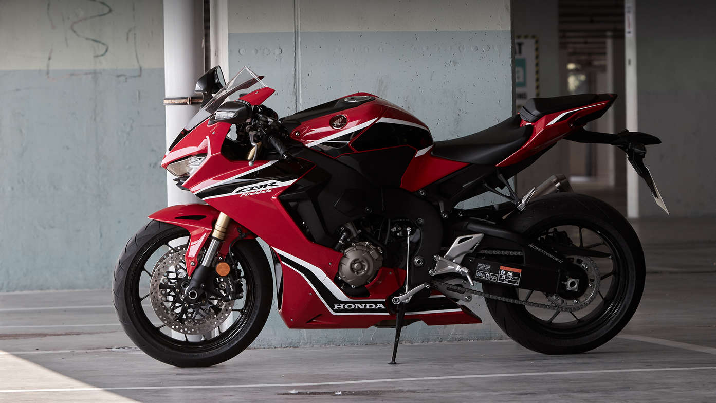 06ae9d8d253 New Honda CBR1000RR Fireblade Tested – A road riders review | Tru ...